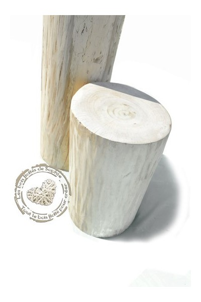 Troncos de madera pulido